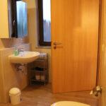 Ferienwohnung Laubfrosch: Bad mit Fenster